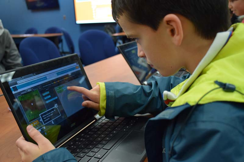 Hour Of Code >> View Slideshow